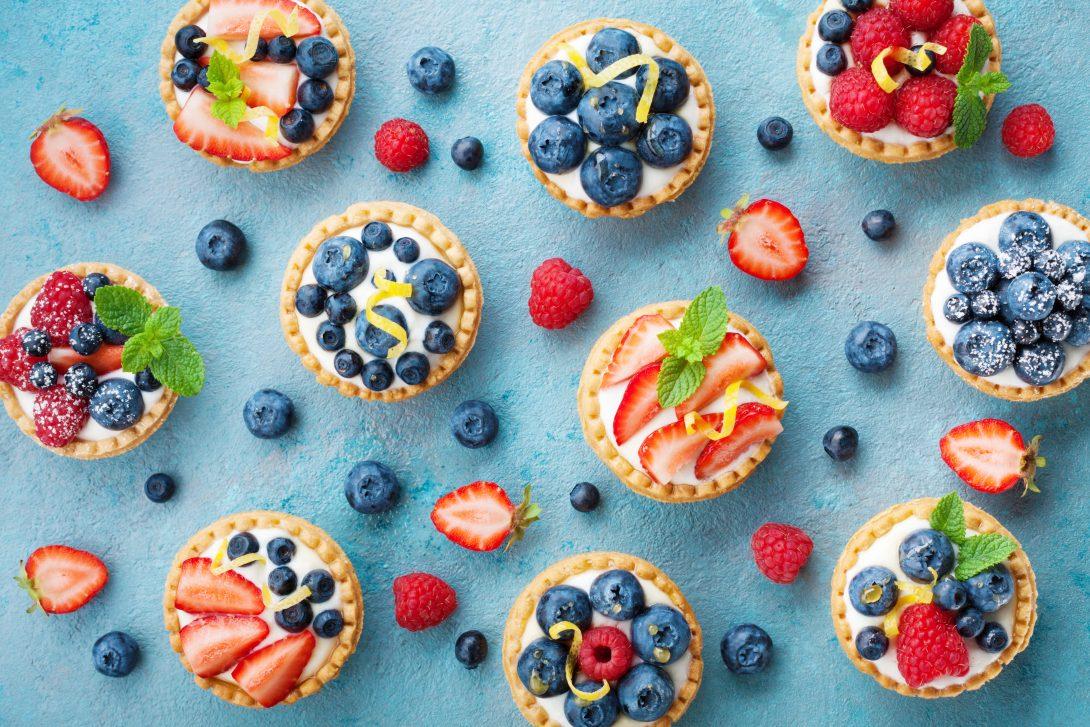 Изысканный завтрак: тарталетки с маскарпоне и ягодами