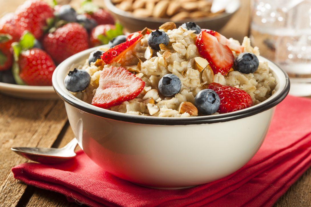 Быстрый завтрак: овсянка и яйца
