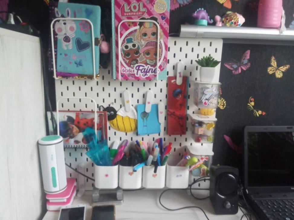 Как организовать порядок в детской комнате: перфорированная панель из Икеи