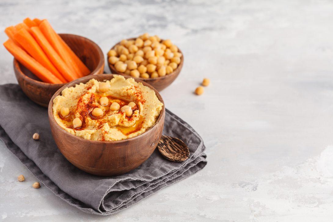 Веганские рецепты: хумус и соломка из овощей