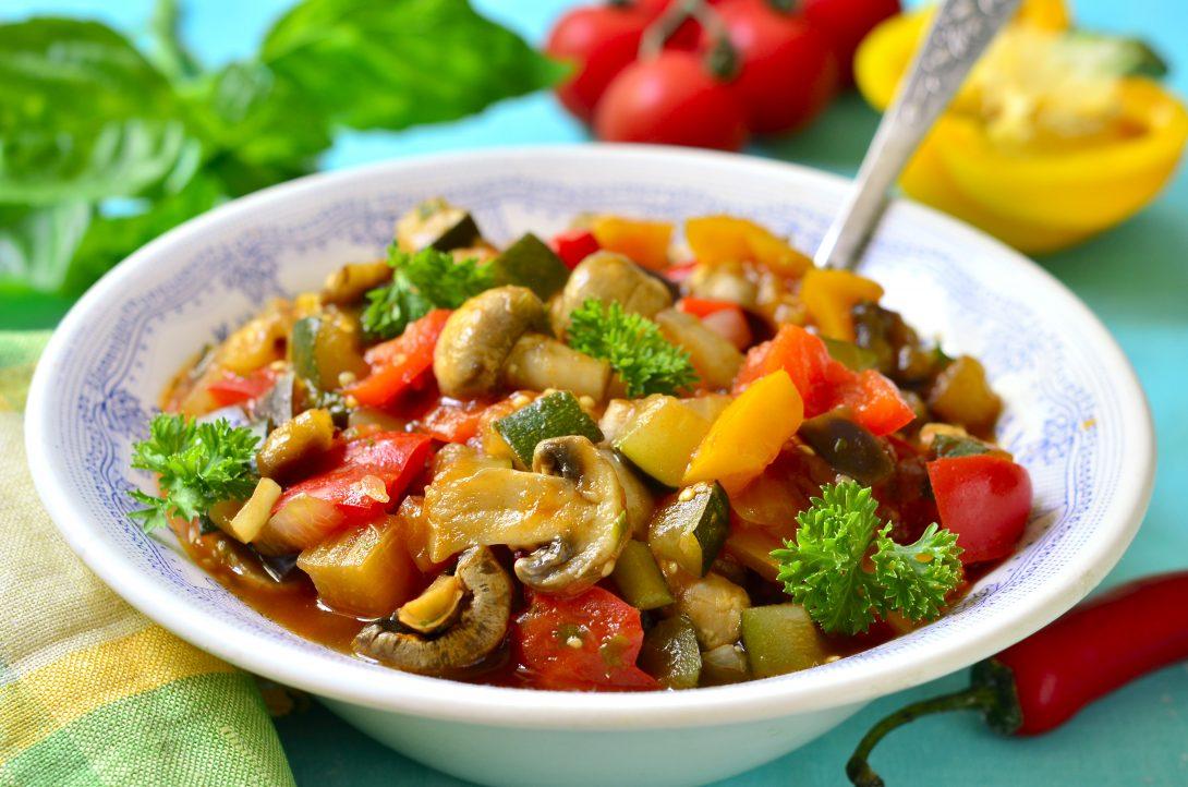 Веганские рецепты: рагу с сезонными овощами